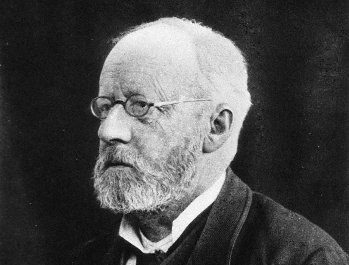 Едвін Клебс — німецький бактеріолог і патологоанатом. Клебс відомий тим, що вперше виділив бактерію Corynebacterium diphtheriae — збудника дифтерії (1884, спільно з Фрідріхом Леффлером)