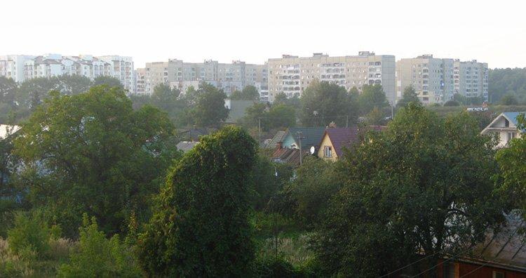 Панорама північно-західної частини мікрорайону. Висотна забудова — Рясне-2