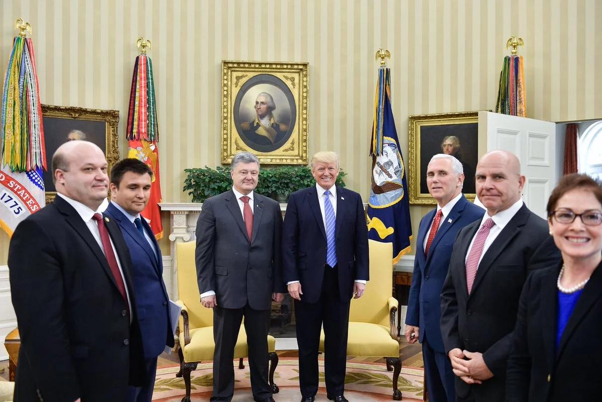 Президент України Петро Порошенко з президентом США Дональдом Трампом