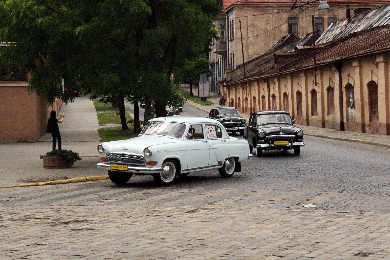 Фото дня. У Львові пройшов фестиваль ретро-автомобілів Leopolis Grand Prix