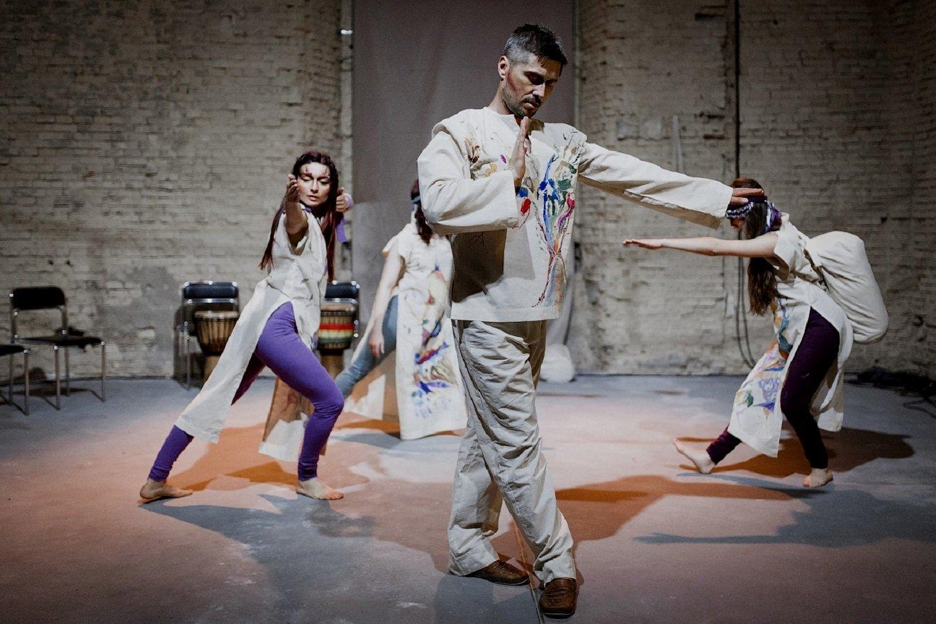 Антон Овчінніков – хореограф, перформер і засновник Міжнародного фестивалю сучасного танцювального театру Zelyonka Fest