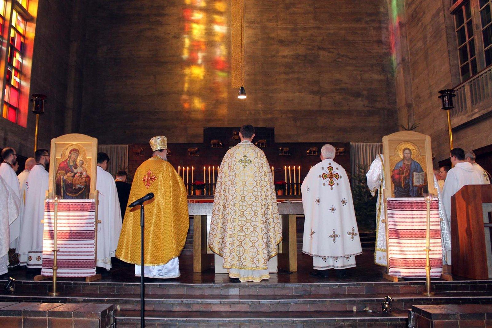 Божественна Літургія для українських паломників в Тезе