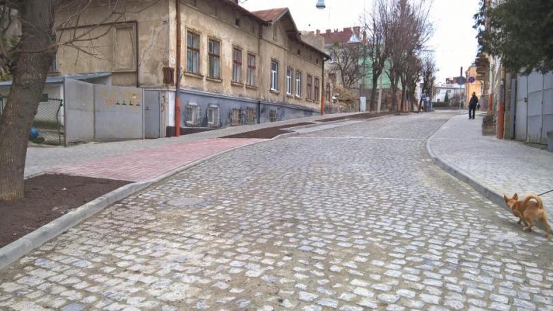 Як змінилася вулиця Піскова у Львові після капітального ремонту
