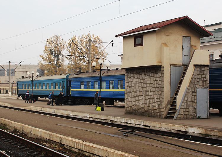«Укрзалізниця» назвала найприбутковіші та найзбитковіші поїзди цього року