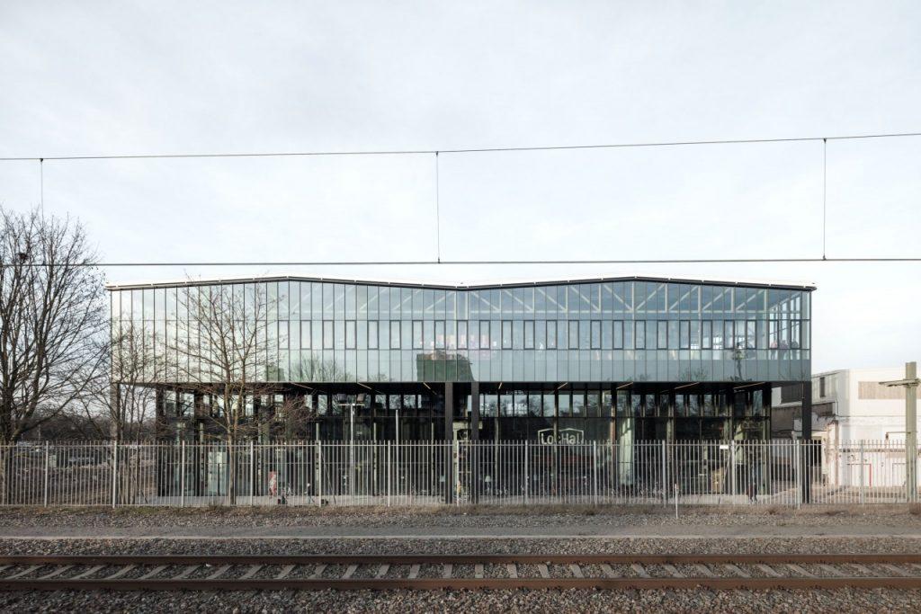 Громадська бібліотека LocHal у Тілбурзі (Нідерланди)